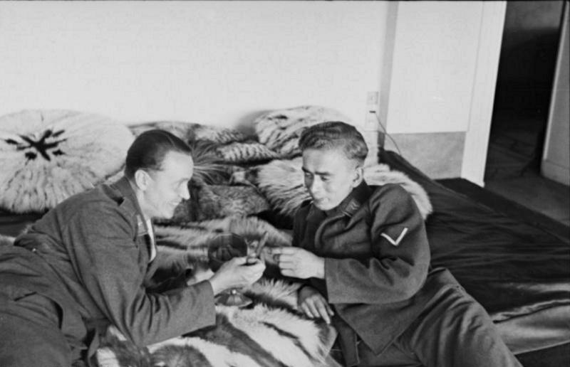 Les soldats de la Luftwaffe au repos ! 644611
