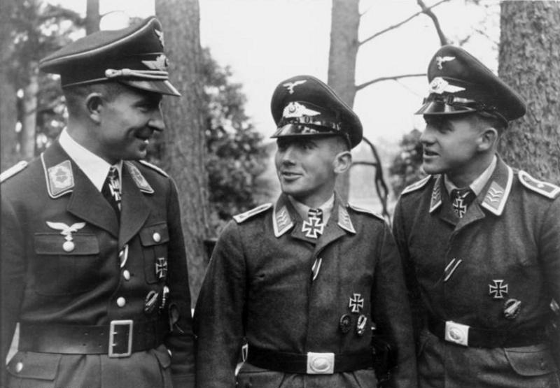 Les différentes vareuses de la Luftwaffe 815