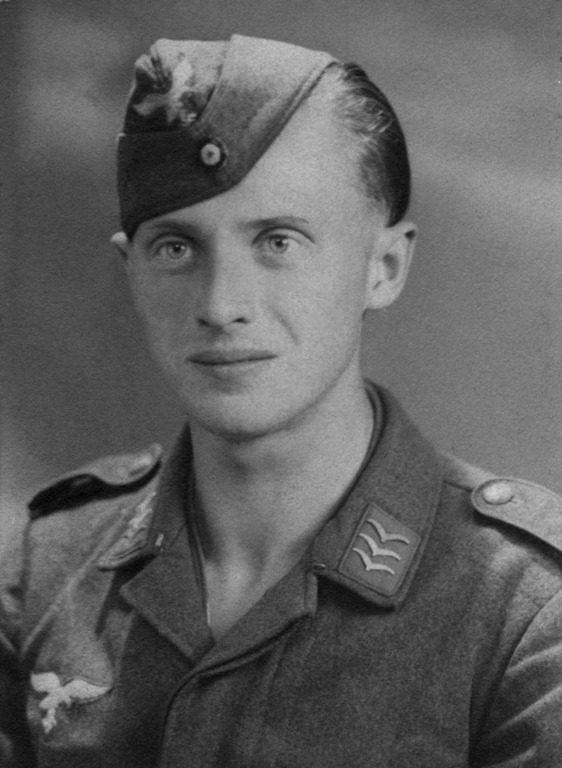 Soldats de la Luftwaffe - Page 6 868910