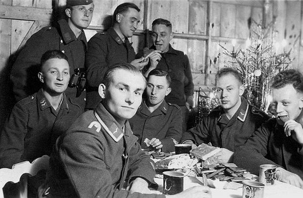 Les soldats de la Luftwaffe au repos ! 8810