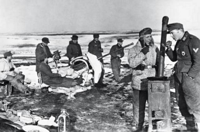 La Luftwaffe sur le Front de l'Est - Page 3 910