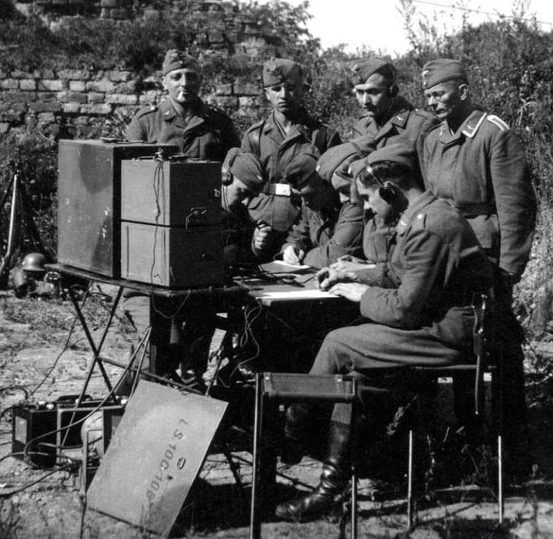 Les transmissions dans la Luftwaffe 9610
