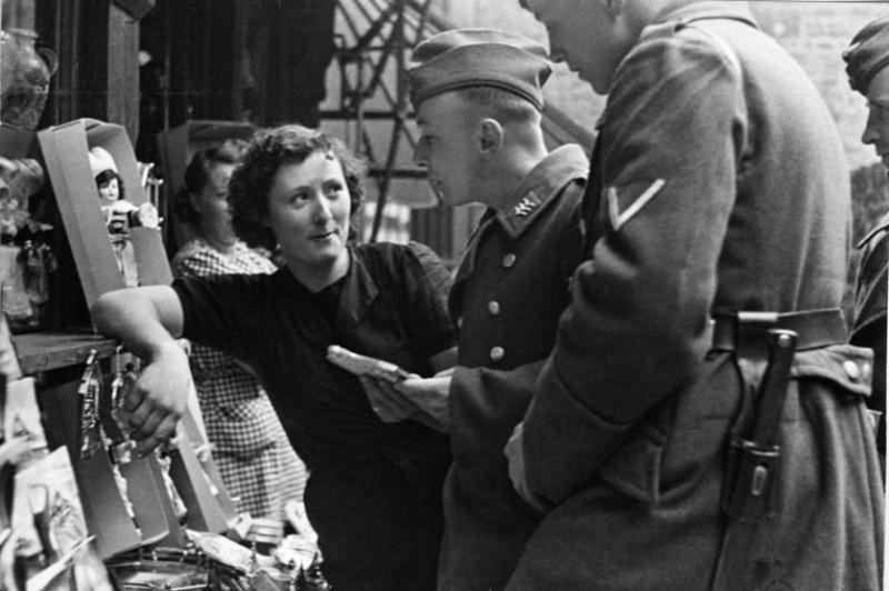 Les soldats de la Luftwaffe au repos ! 995410