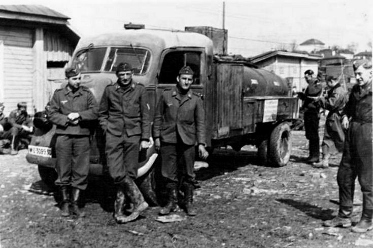 Véhicules divers affectés à la Luftwaffe - Page 3 C14