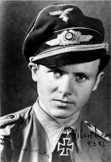 Schirmmütze de la Luftwaffe - Page 2 Cb10