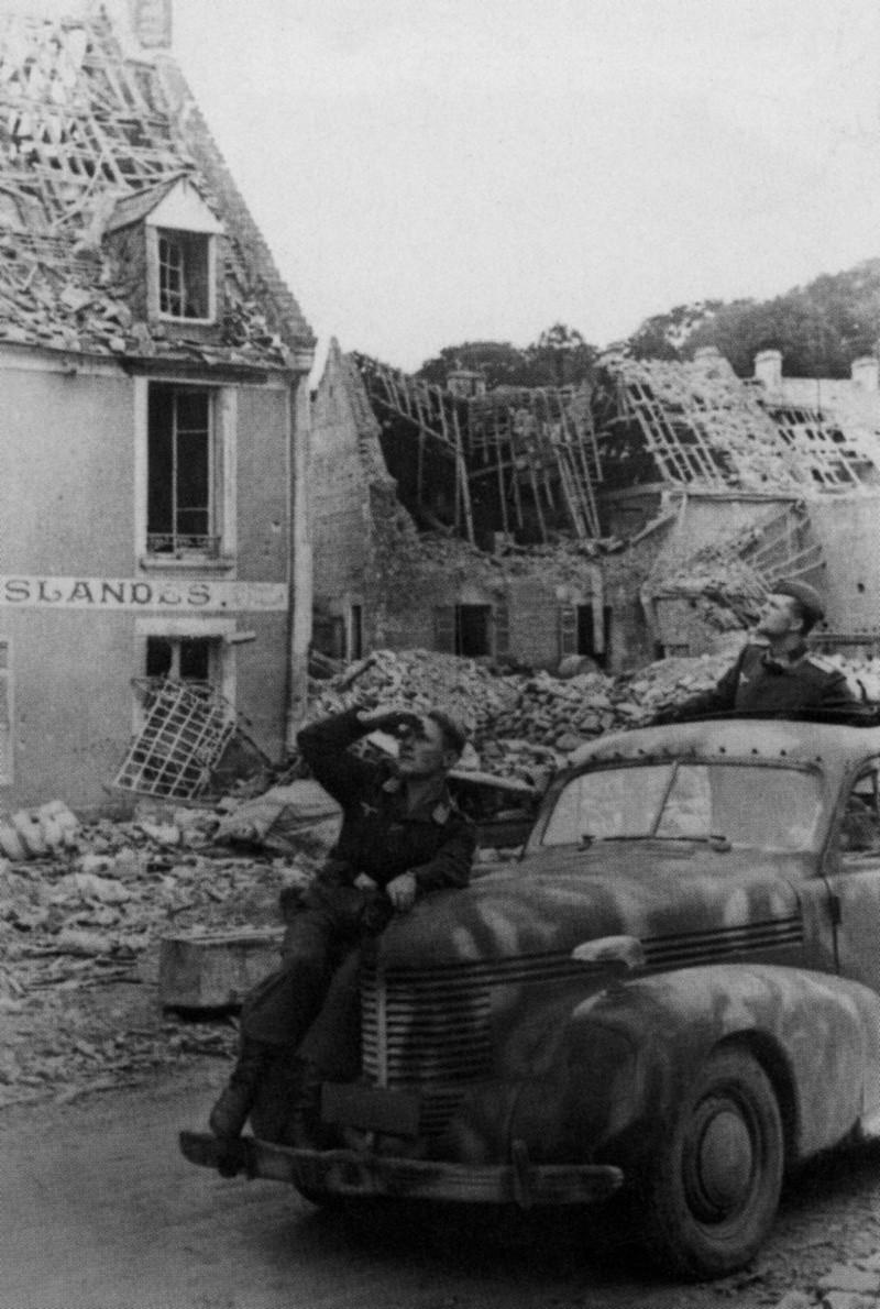Les troupes de la Luftwaffe en Normandie - Page 4 Cghh10
