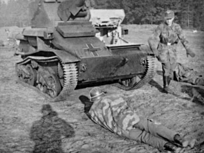 Les soldats de la Luftwaffe à l'instruction Dfghft10
