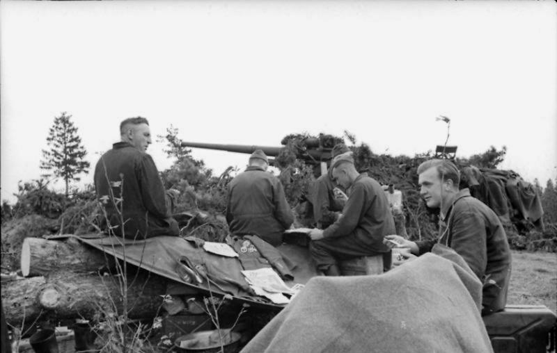 La Luftwaffe sur le Front de l'Est - Page 3 E2b10
