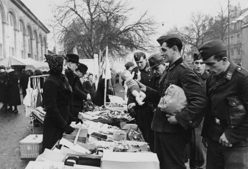 Les soldats de la Luftwaffe au repos ! Erh1010