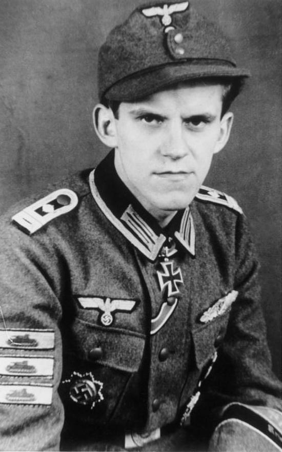 Les correspondants de guerre (Kriegsberichter) de la Luftwaffe - Page 2 Ftgjut10