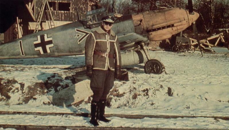 La Luftwaffe en couleurs ! - Page 2 Hggh1010