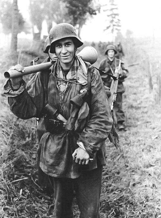 Soldats de la Luftwaffe - Page 2 Pommer10