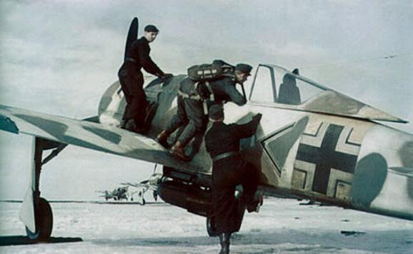 La Luftwaffe en couleurs ! - Page 2 Qegszv10