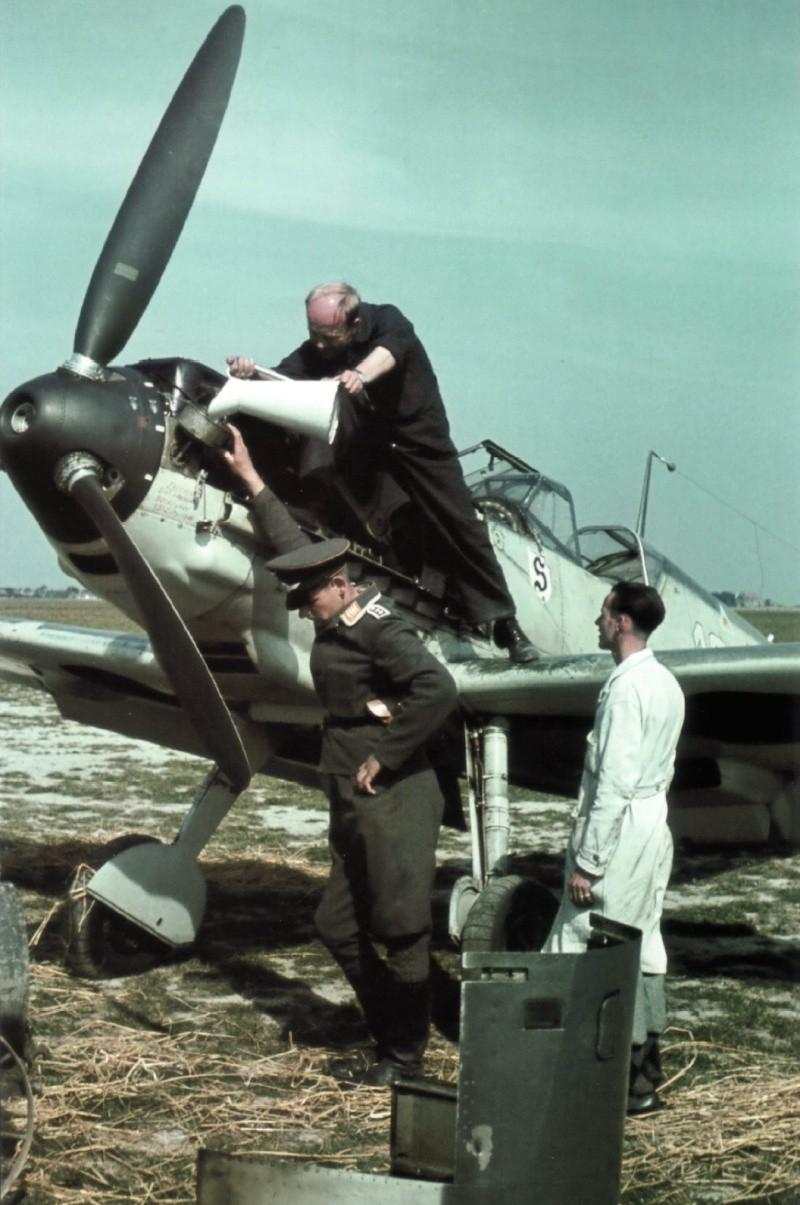 La Luftwaffe en couleurs ! - Page 2 Rjry1010