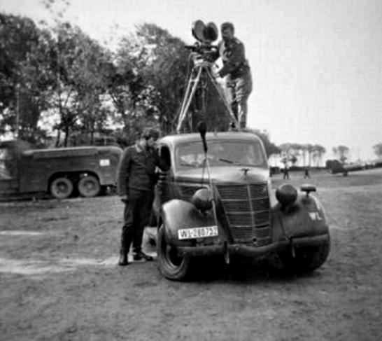Les correspondants de guerre (Kriegsberichter) de la Luftwaffe - Page 2 Srgdth10