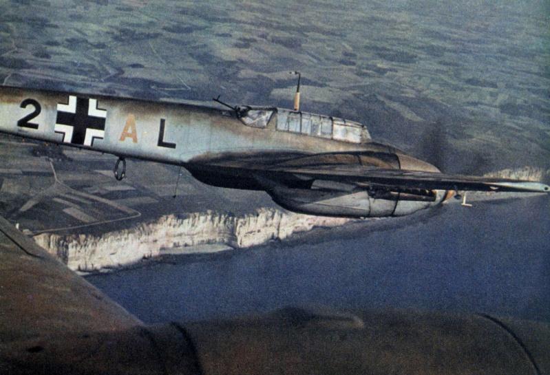La Luftwaffe en couleurs ! - Page 2 Sryhz110
