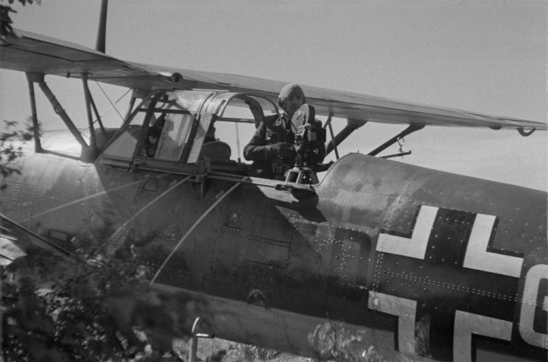 Les correspondants de guerre (Kriegsberichter) de la Luftwaffe Ujkh10