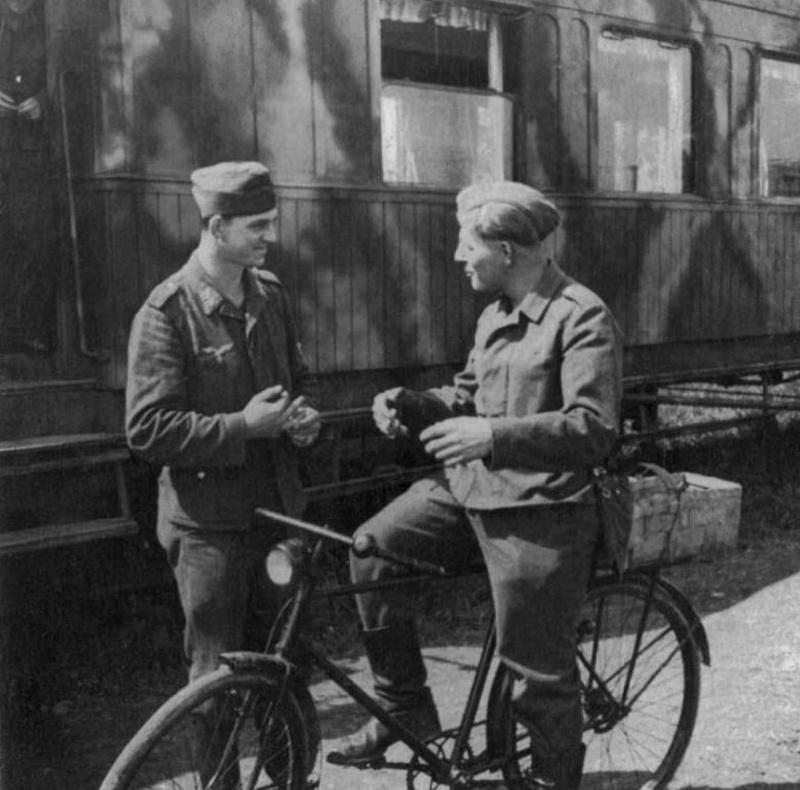 Les vélos de l'armée Allemande ww2 - Page 4 Velo_l10