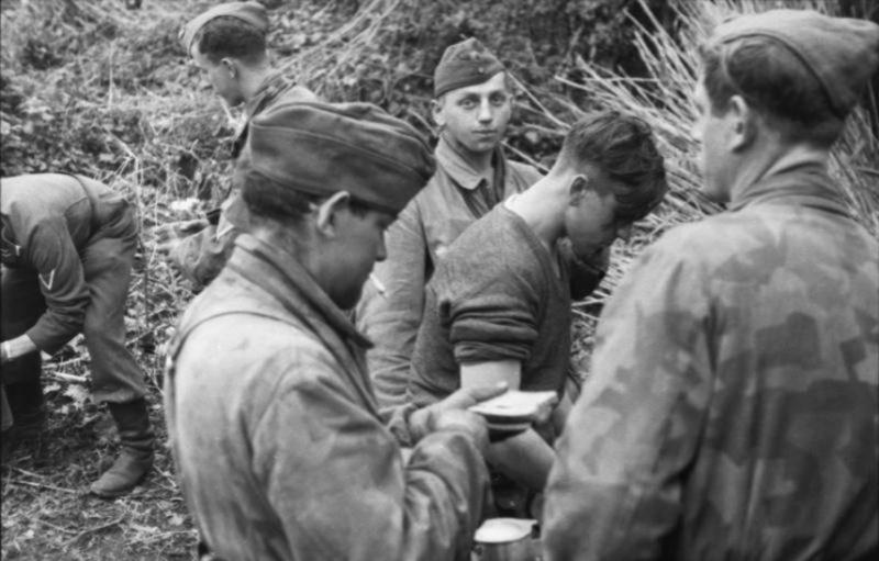 Les soldats de la Luftwaffe au repos ! Xxf10
