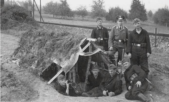 Les soldats de la Luftwaffe à l'instruction Yy611010