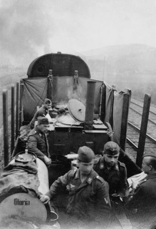 Les soldats de la Luftwaffe au repos ! - Page 2 Z812