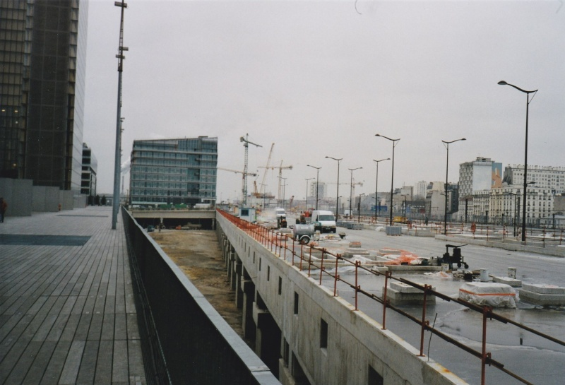 Grues à Paris Rive Gauche - Page 2 Img_2010