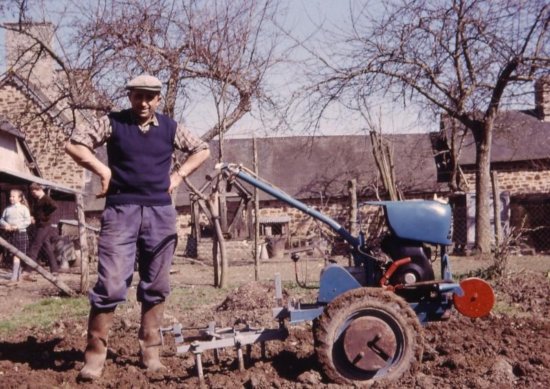 Mini-Tracteur à moteur de 2cv 1962_m11