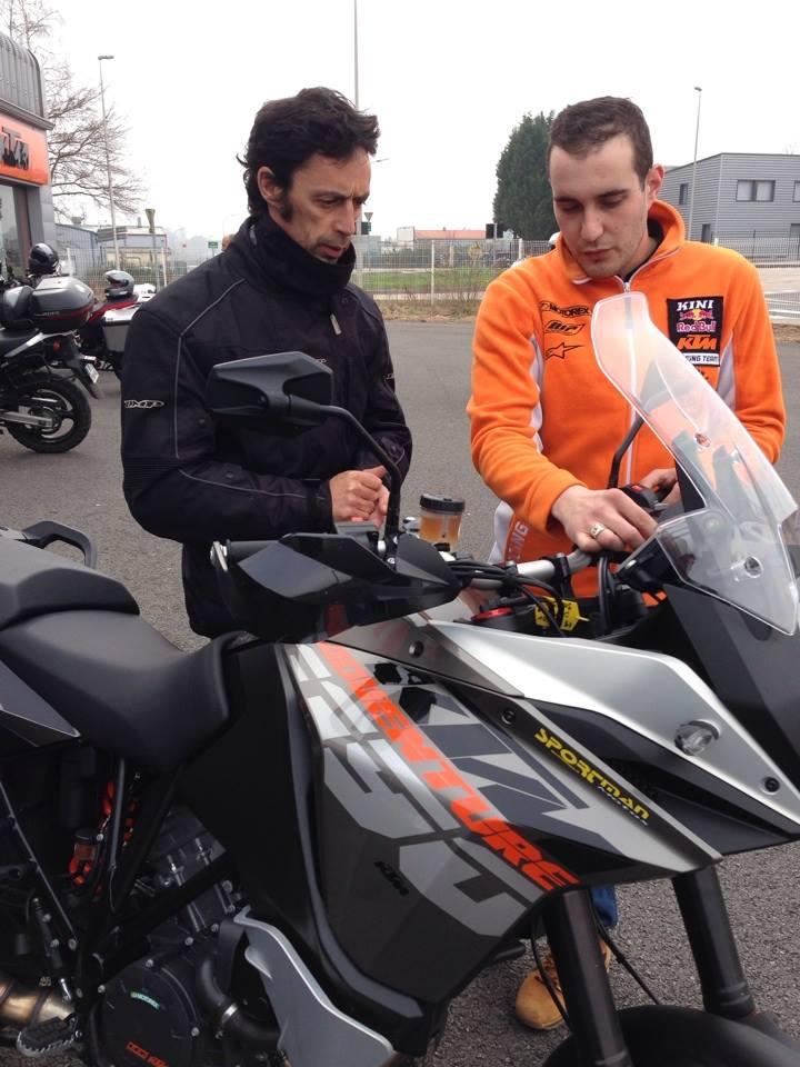 Triumph explorer XC  vs Yamaha XT 1200 ZE 12345510
