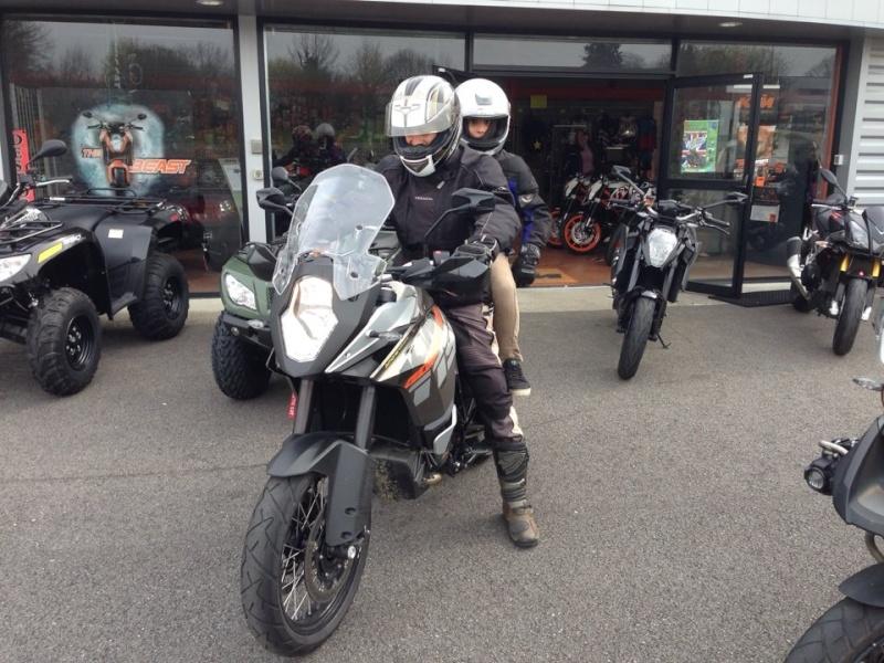 Triumph explorer XC  vs Yamaha XT 1200 ZE 19220410