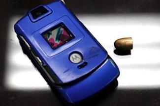 5 celularë që kanë shpëtuar njerëz nga vdekja Motoro10