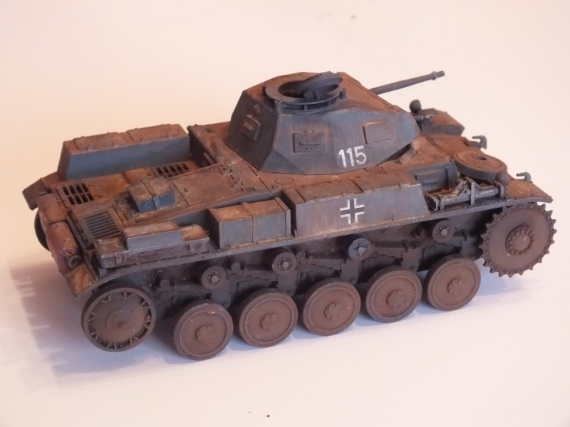 Panzer II ausf .F Tamiya 1/35 : FINI Dscf3636