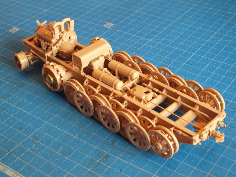 Sd.Kfz.8 Schwerer Zugkraftwagen 12 ton (Trumpeter 1/35) (DÉBUT DE PEINTURE) Dscf4141