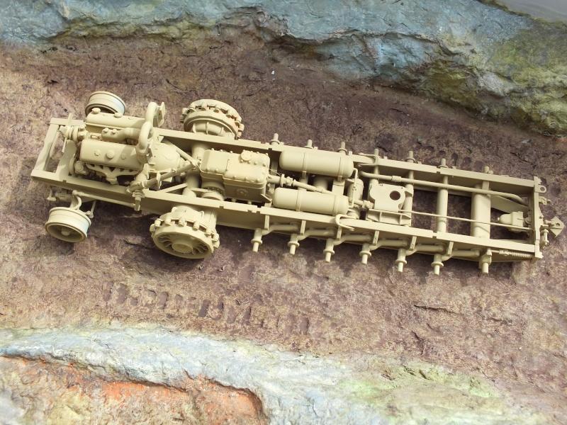 Sd.Kfz.8 Schwerer Zugkraftwagen 12 ton (Trumpeter 1/35) (DÉBUT DE PEINTURE) Dscf4145