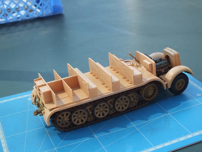 Sd.Kfz.8 Schwerer Zugkraftwagen 12 ton (Trumpeter 1/35) (DÉBUT DE PEINTURE) - Page 2 Dscf4629