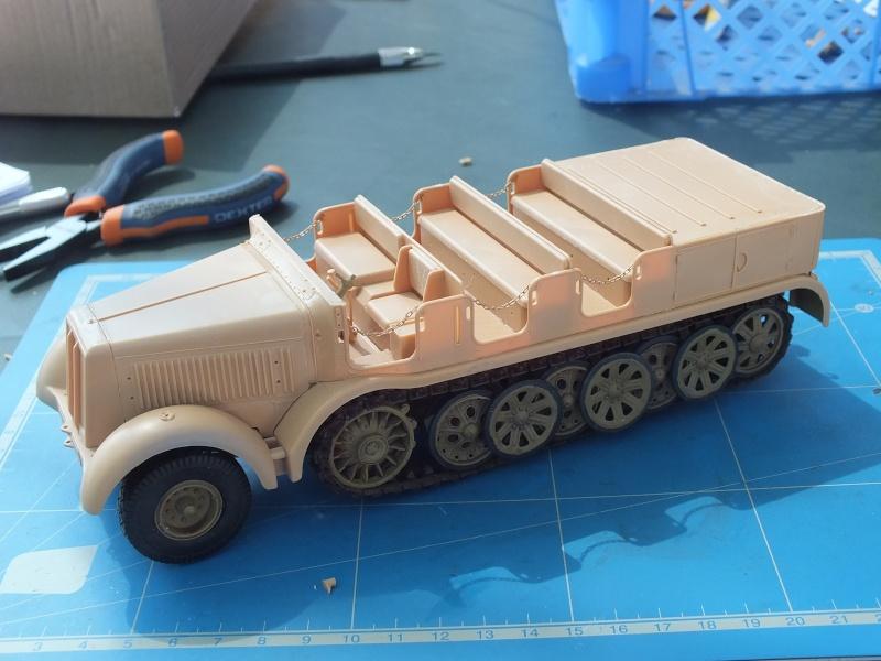 Sd.Kfz.8 Schwerer Zugkraftwagen 12 ton (Trumpeter 1/35) (DÉBUT DE PEINTURE) - Page 2 Dscf4633