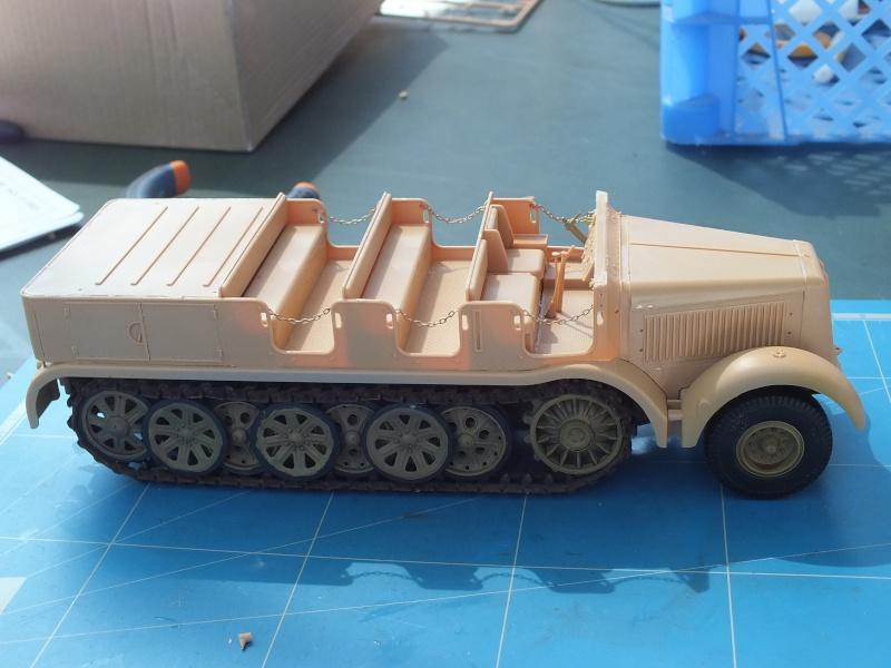 Sd.Kfz.8 Schwerer Zugkraftwagen 12 ton (Trumpeter 1/35) (DÉBUT DE PEINTURE) - Page 2 Dscf4634