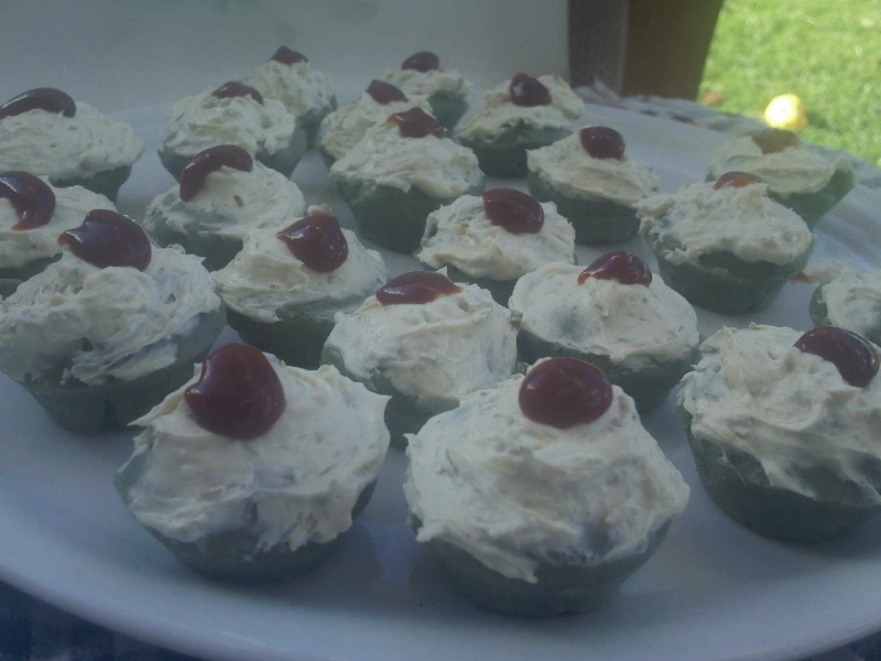 muffins et cupcakes d'halloween - Page 12 Img11010