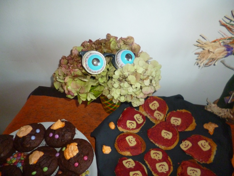 muffins et cupcakes d'halloween - Page 12 P1010710