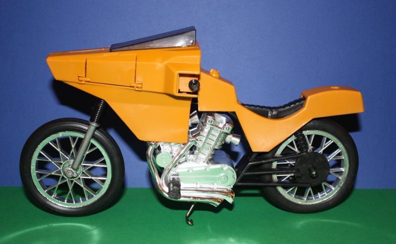 MOTO D'AZIONE No. 9585 Moto1110