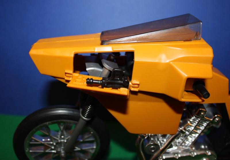 MOTO D'AZIONE No. 9585 Moto2110