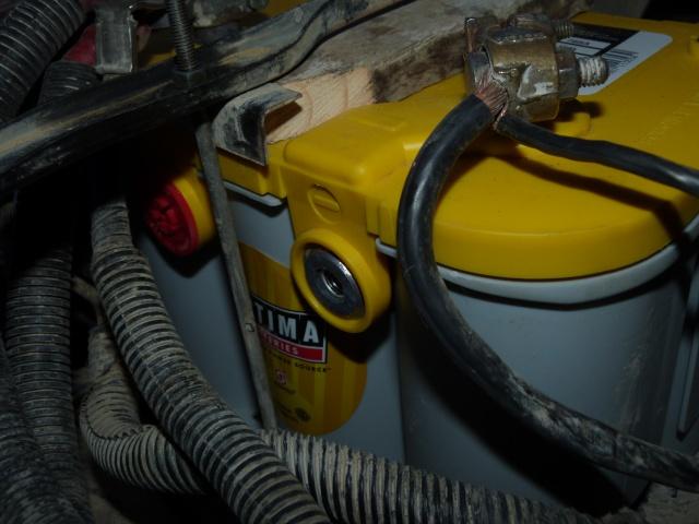 Borne batterie type GM P1040911