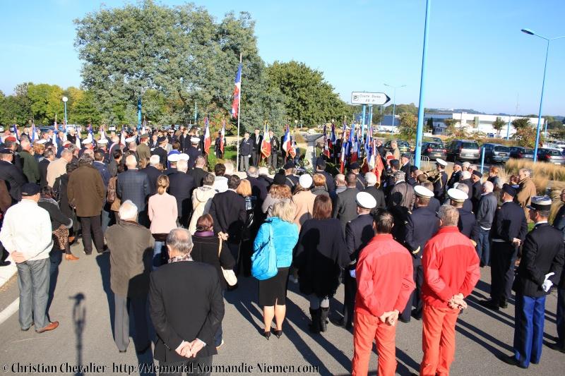 Cérémonies en commémorant le 70' anniversaire de la mort de Maurice BON Img_0115