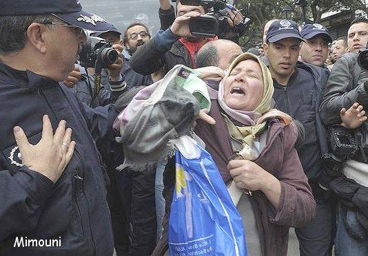 Les Algeriens refusent un quatrieme mandat a Bouteflika Mimoun41