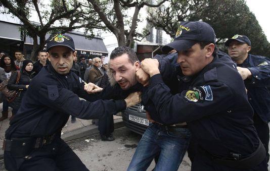 Les Algeriens refusent un quatrieme mandat a Bouteflika Mimoun42