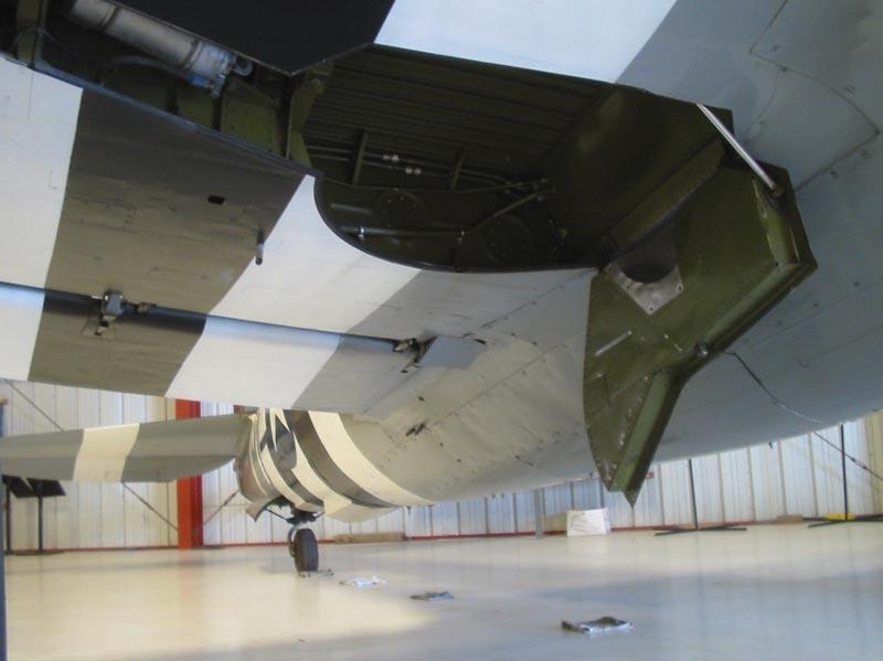 """P-47D THUNDERBOLT """"RAZOR"""" Baie10"""