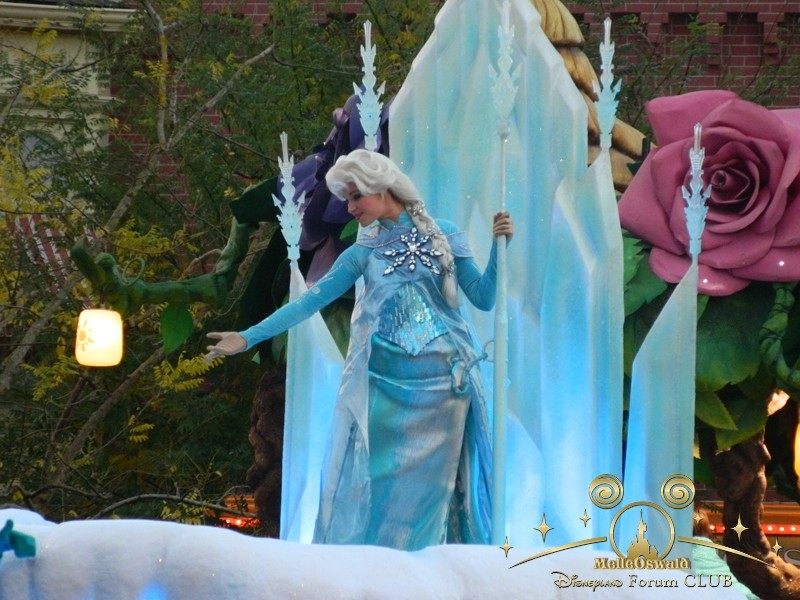 La reine des neiges à Disneyland Paris  Dscn8216
