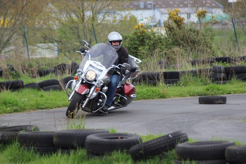 un KAWA en TERRASSE - perfectionnement à la conduite avec sa propre moto ... Img_1612