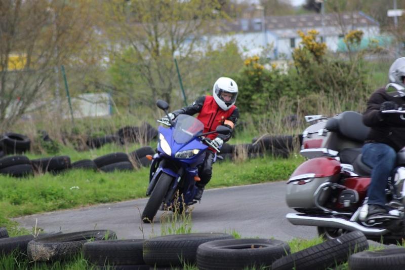 un KAWA en TERRASSE - perfectionnement à la conduite avec sa propre moto ... Img_1613