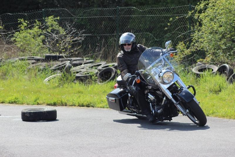 un KAWA en TERRASSE - perfectionnement à la conduite avec sa propre moto ... Img_1614