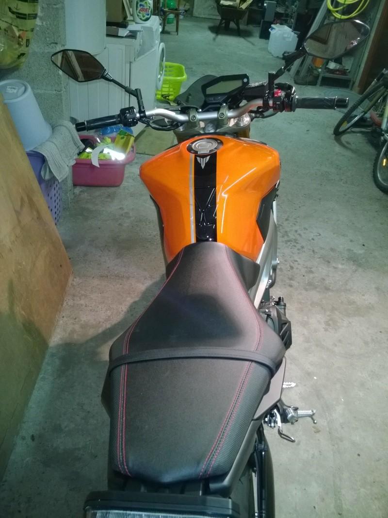 Ma orange Akra et selle SR. Wp_20113
